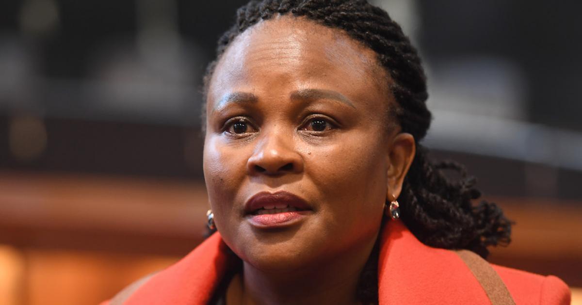 Fondsinsameling vir Mkhwebane oortref R100k - eNCA