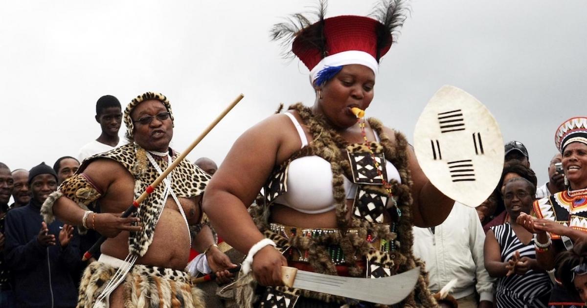 Die vrou van Zuma oorweeg regstappe na eis van gif - eNCA