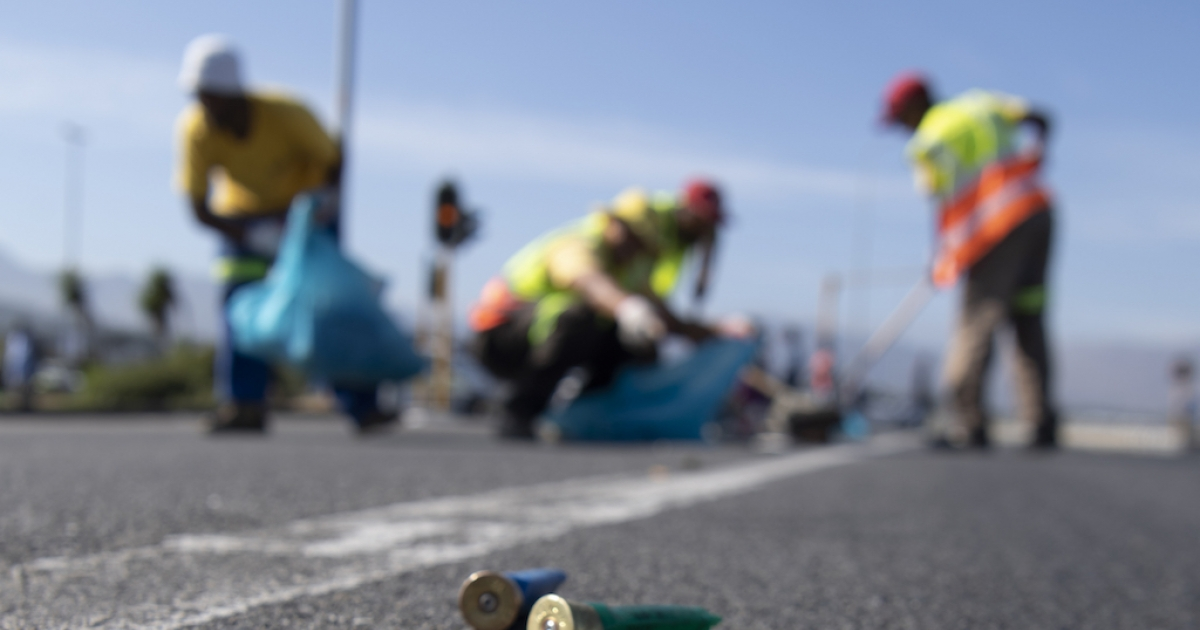N2-betogings: Vragmotors word in Lwandle - eNCA, met bomme gebombardeer