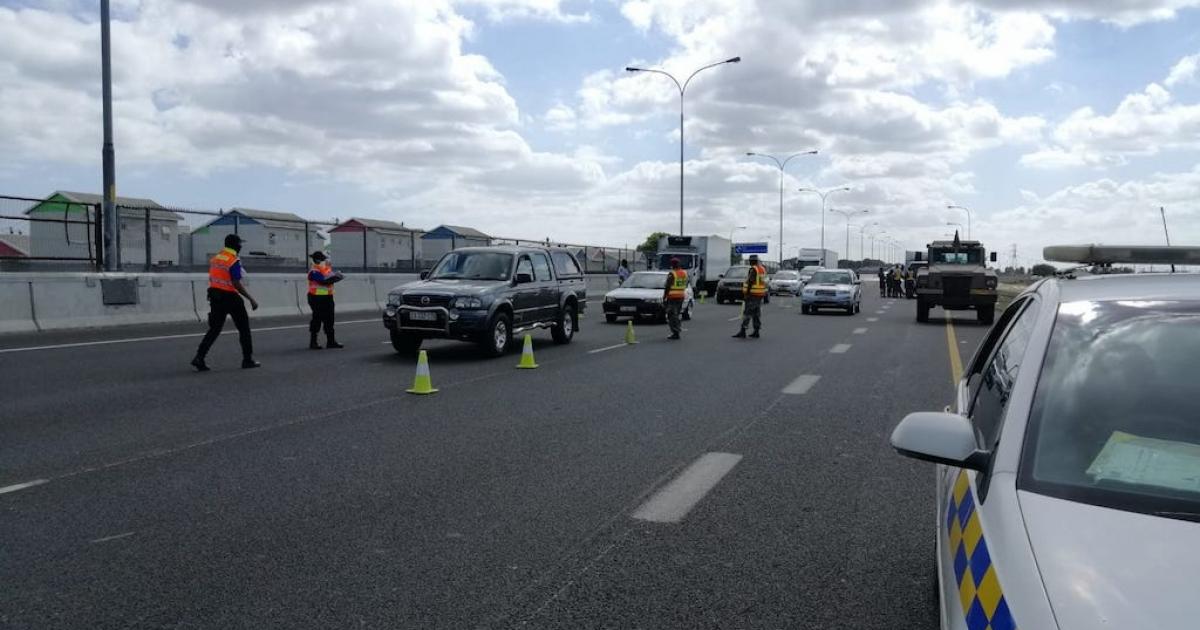 Roadblocks, patrols to continue under Level 3 lockdown - eNCA