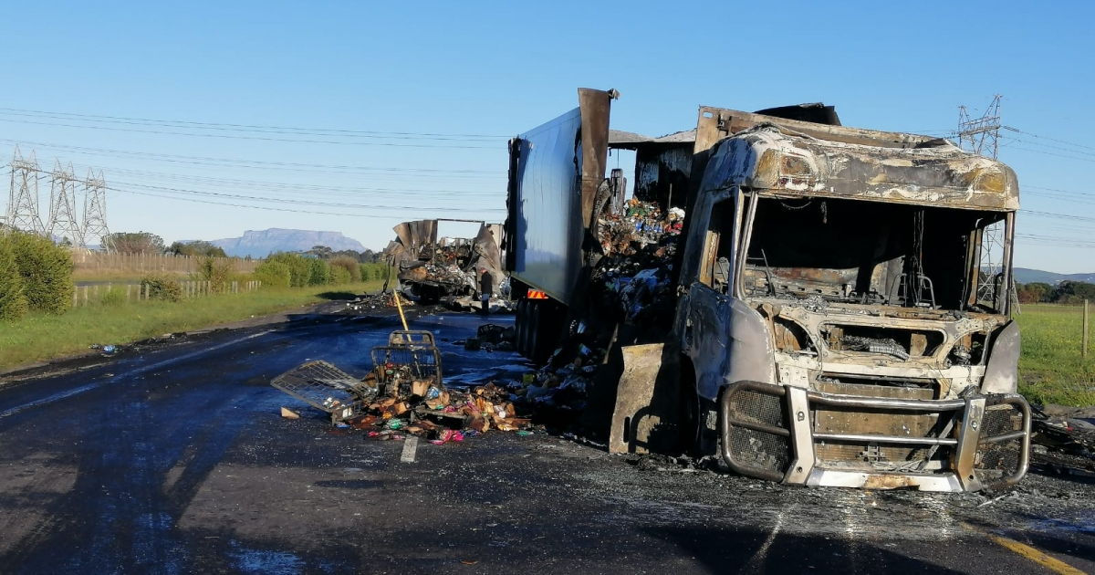 Trucks torched near Paarl - eNCA