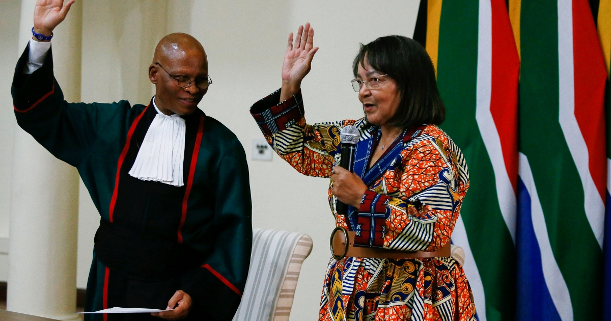 'They can't handle me': De Lille fires back at detractors - eNCA