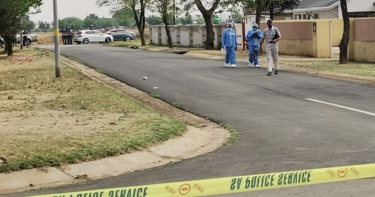 Police reservist arrested for Boksburg cash heist - eNCA