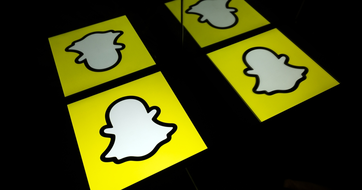 Snapchat challenges TikTok with curated video feed - eNCA