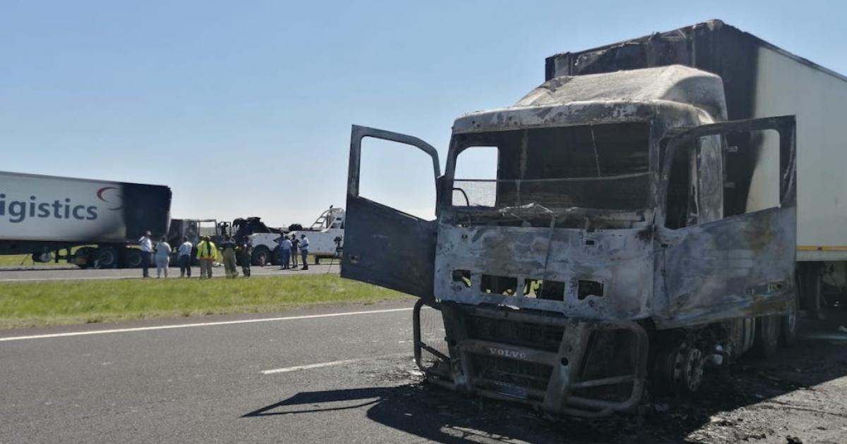 IN PICS: Trucks attacked in Joburg East - eNCA