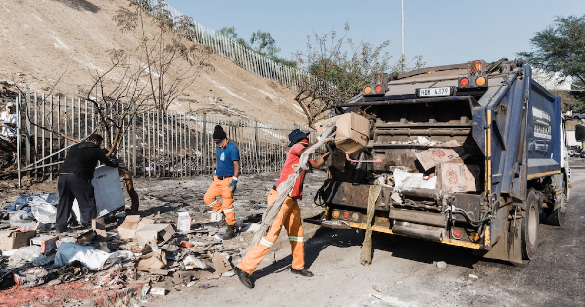 AmaZulu FC joins in Durban clean-up efforts
