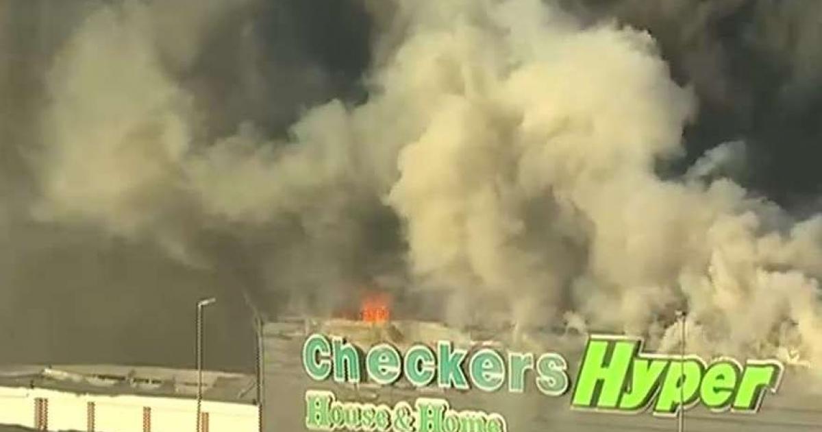 Brookside Mall in Pietermaritzburg on fire