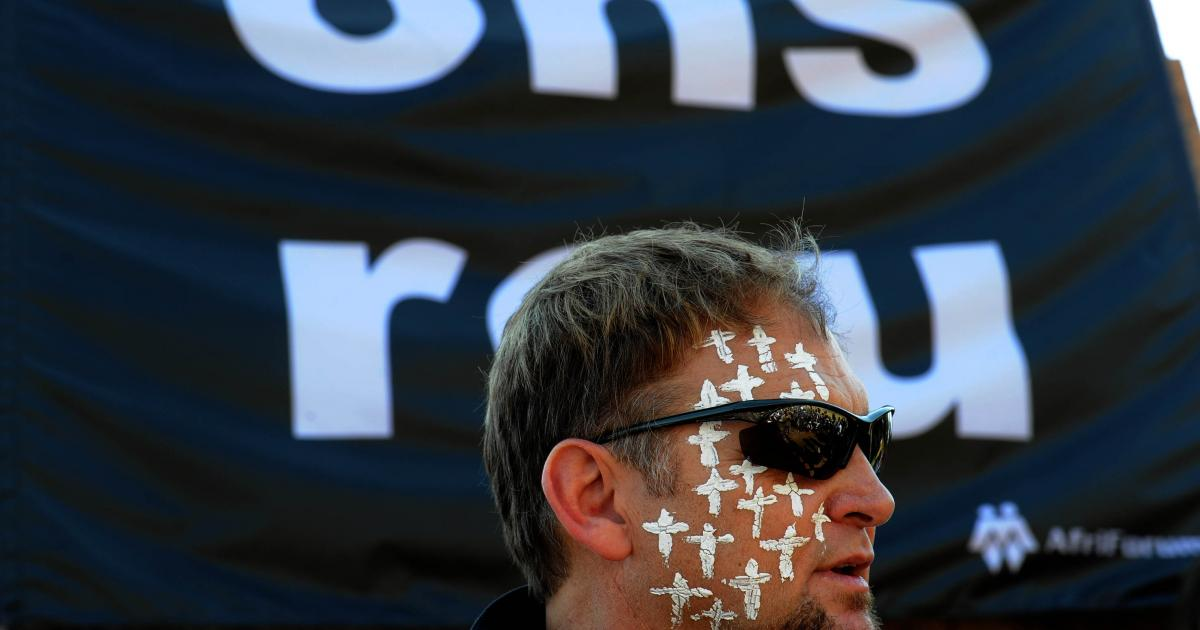 Sponsors flee Afrikaans music fest after Hofmeyr tweet