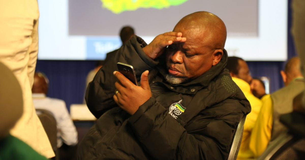 Mantashe in hot water amid 'affair' bribery allegations - eNCA