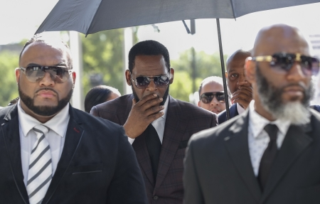 R  Kelly faces bail hearing over sex trafficking allegations | eNCA