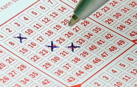 Clock ticking for Gauteng Lotto jackpot winner | eNCA