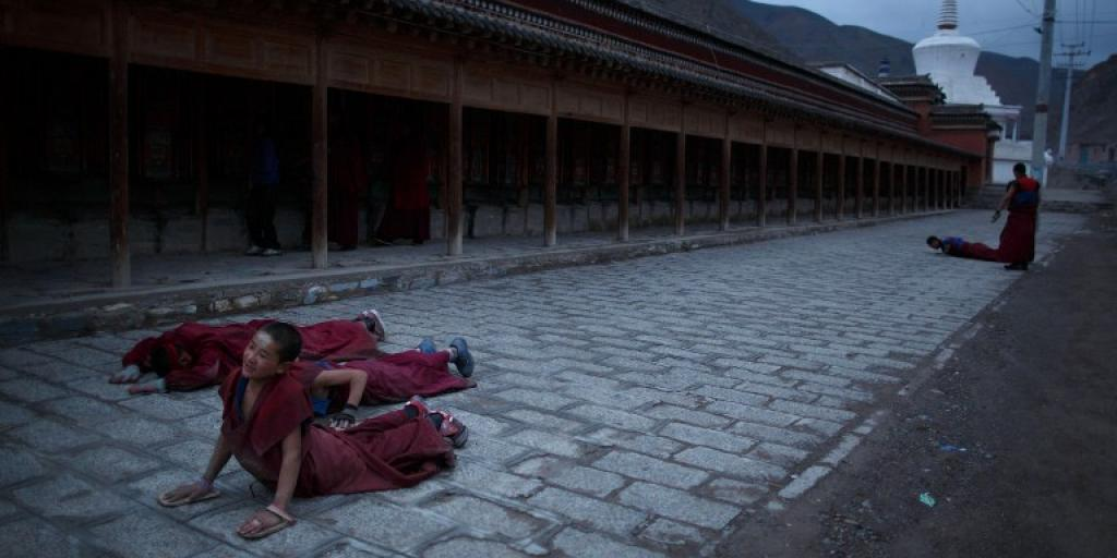 Teen Tibetan monk in tragic self-immolation | eNCA