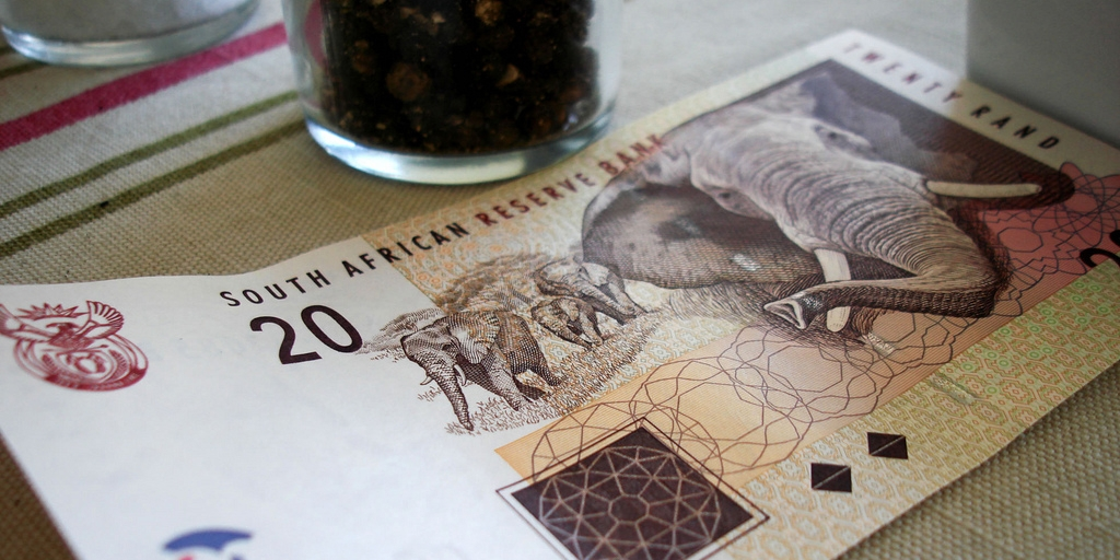 Durban hotel waiter tipped 5k, shares with colleagues