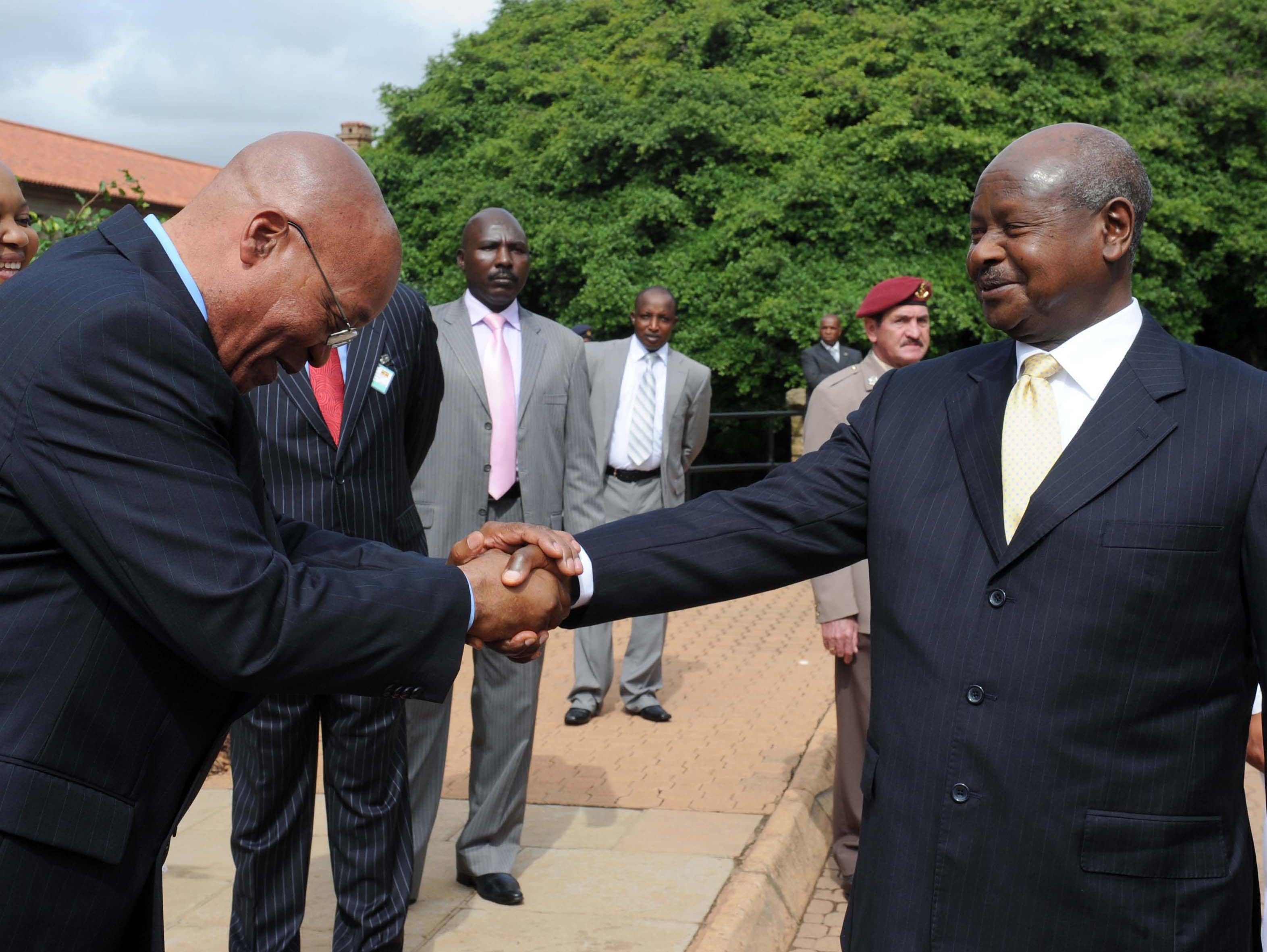 web_photo_Yoweri_Museveni_Jacob_Zuma_28112016