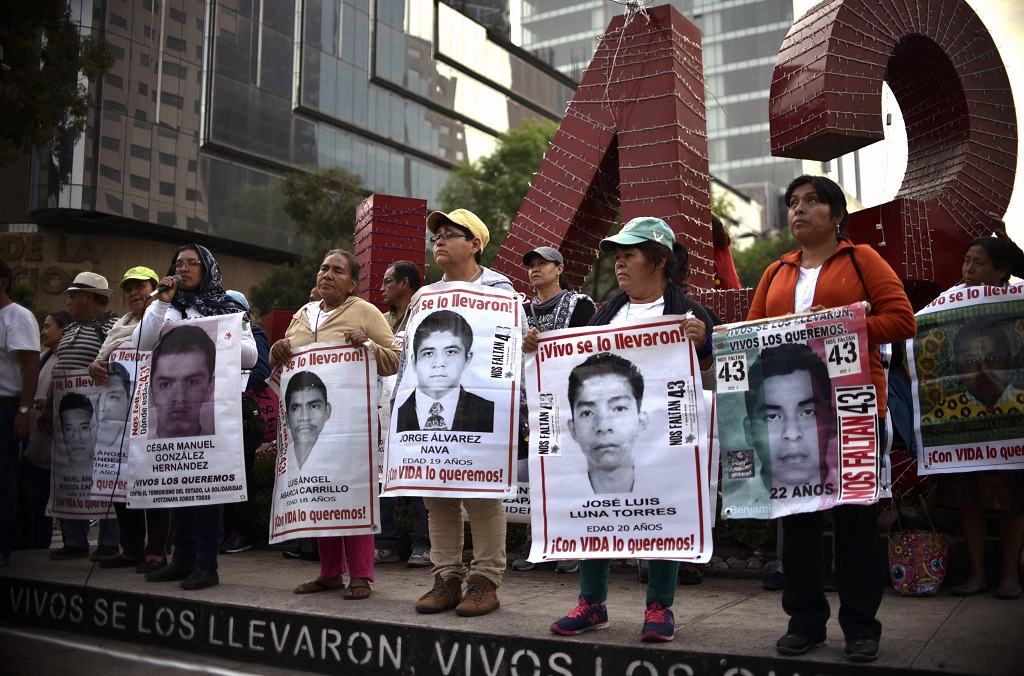 web_photo_mexico_missing_students_13032018